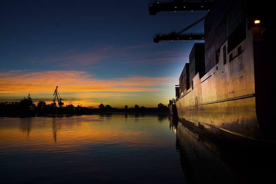 Especializados en el trámite del tráfico de mercancías a Canarias
